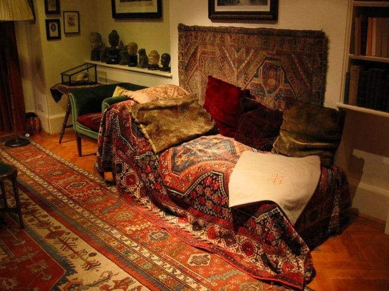Le divan de Freud, exposé au musée Freud de Londres.